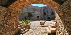 Chlemoutsi-Castle-3