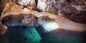 The-cave-of-lakes-3