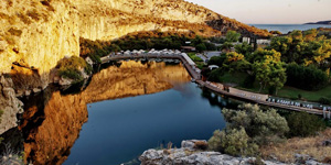 Vouliagmeni-Lake-4-Natural-landscapes-of-Athens