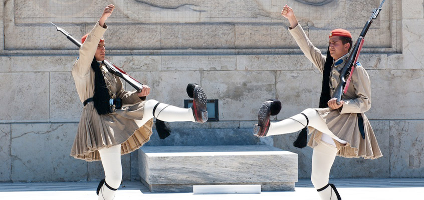 greece_athens_guards-Sightseeing-tour-&-Acropolis-Museum-2