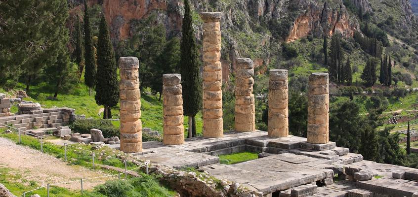 greece_delphi_apollo_temple_-Day-tour-5