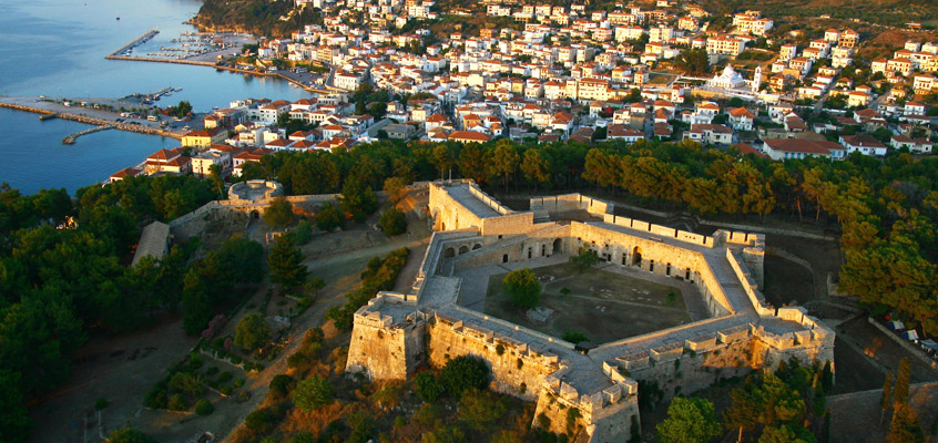 The-Castle-of-Niokastro-in-Pylos-in-Messinia-of-Peloponnese-in-Greece